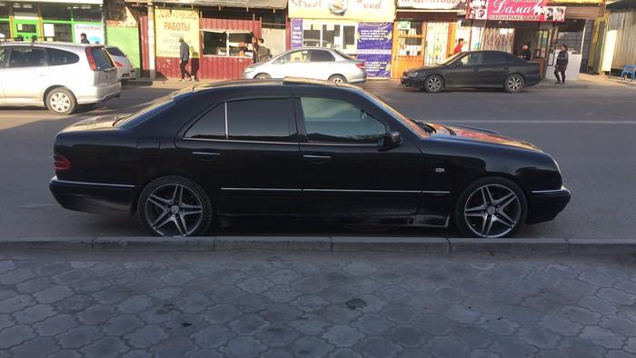 Mercedes-Benz E 430 1998. Photo 4