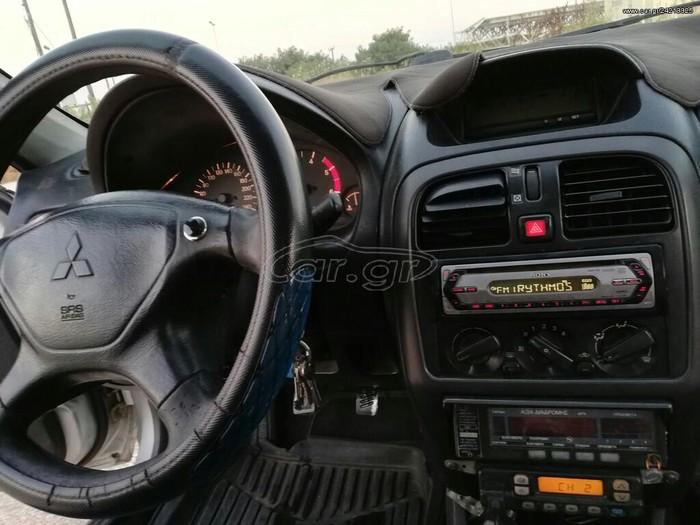 Mitsubishi Carisma 2001. Photo 5
