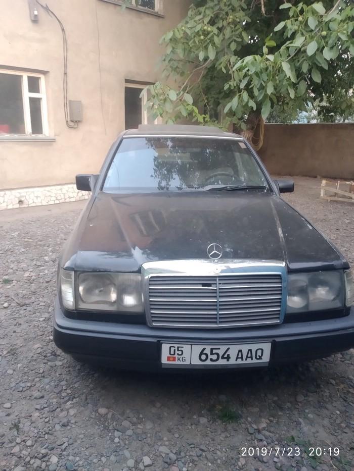 Mercedes-Benz 200 1986. Photo 0