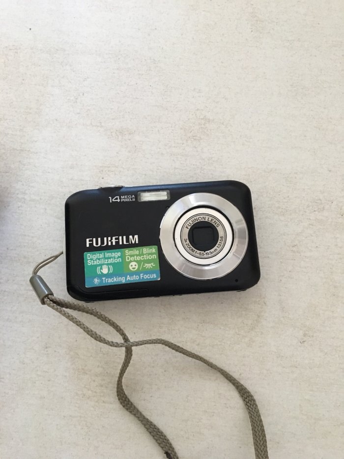 Фотоаппарат в отличном состоянии чехол в подарок))куплено в россии. Photo 1