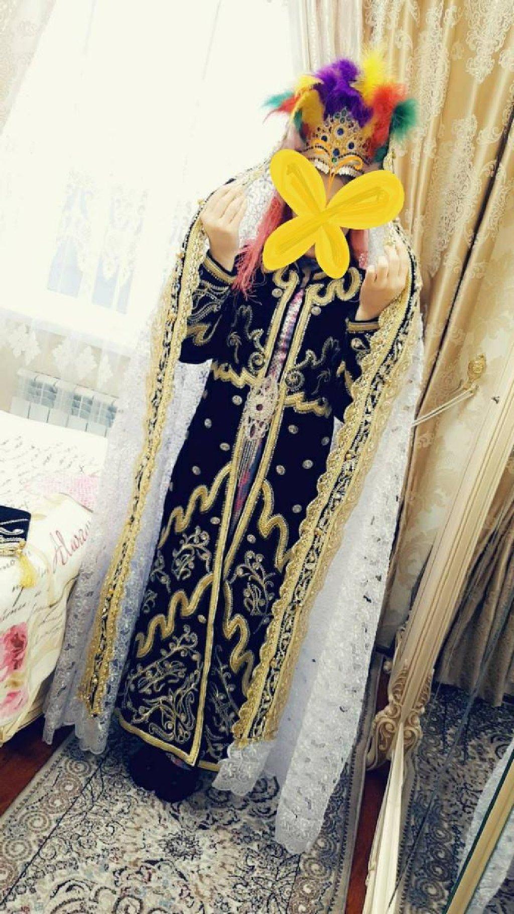 Наряд для невесты,сшито в Самарканде,одето всего раз на рубинон,в идеальном состоянии