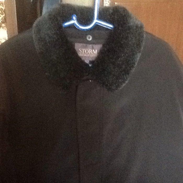 Продаю мужскую куртку. Воротник и подстежка отстегиваются. 52 размер. в Лебединовка
