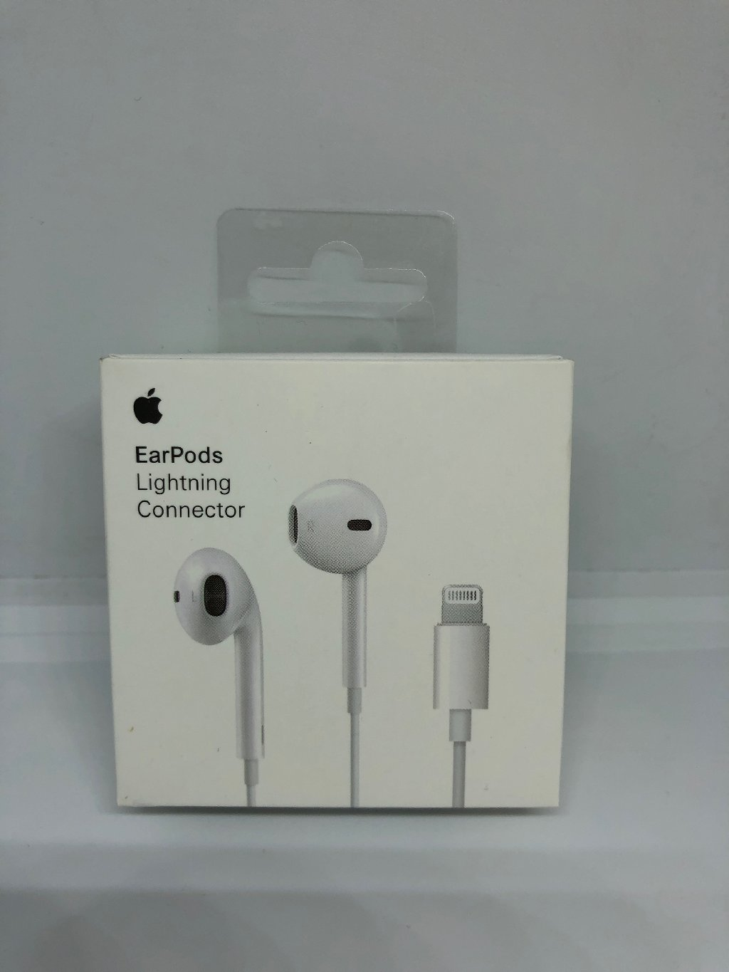 Наушники Apple EarPods White MMTN2ZM/A штекер(разъем) Lightning - Подходит для Apple: iPhone 5, IPhone 5c, IPhone 5s, IPhone 6, IPhone 6+, IPhone 6s, IPhone 6s Plus, IPhone 7, IPhone 7 Plus, IPhone 8, IPhone 8 Plus, IPhone X, IPhone XR, IPhone Xs, IPhone Xs Max, IPhone 11, IPhone 11Pro,IPhone 11Max, IPad Pro, IPad Mini 1/2/3/4/5, IPad Air 1/2