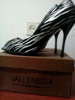 Туфли новые, выходные. 39 размер. цена 15 манат оконч.. Photo 2