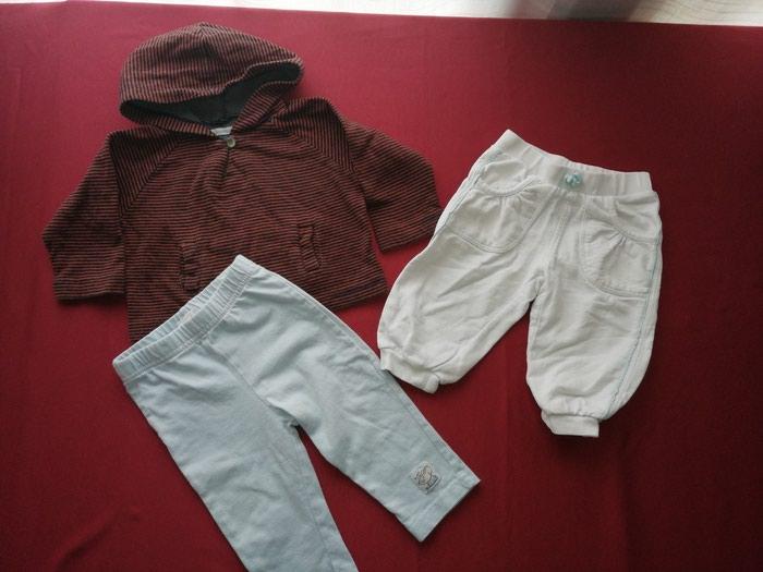 Garderoba za bebe dečake velicina 74,pantalonice i duksic