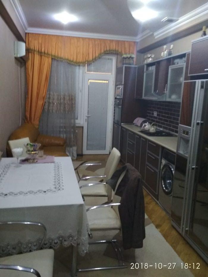 Mənzil satılır: 3 otaqlı, 140 kv. m., Bakı. Photo 8
