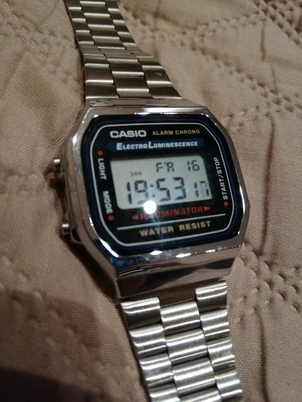 Ρολόι χειρός casio (αυθεντικό) σε άριστη κατάσταση και πλήρως λειτουργικό!!!