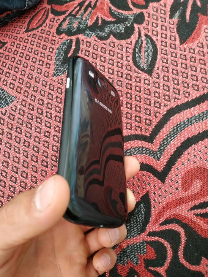 Б/у Samsung I9300 Galaxy S3 16 ГБ Белый. Photo 3