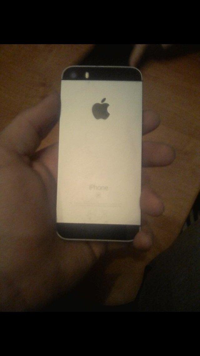 Iphone se, 32GB памяти, не поломан всё работает хорошо, пишите, разгов. Photo 7