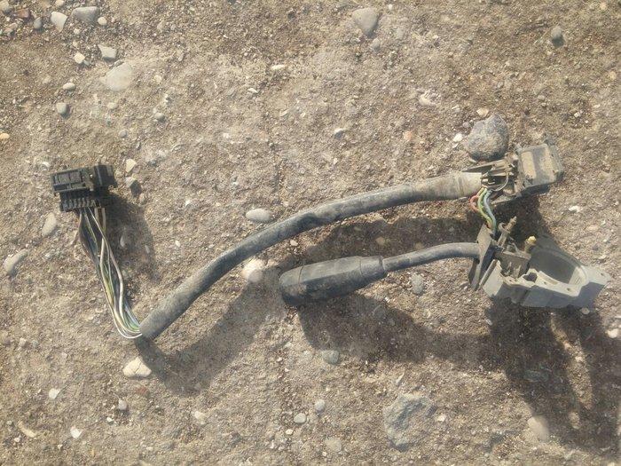 Qobustan şəhərində Mercedes-benz c klassin pavarotnik dalni bilijni su vuran kulcatiri.