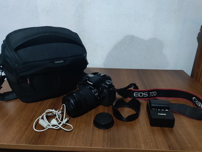 Canon 70D + memory card+ 18-135 mm + bag+11365 probeq. real qiymetdir. Photo 0