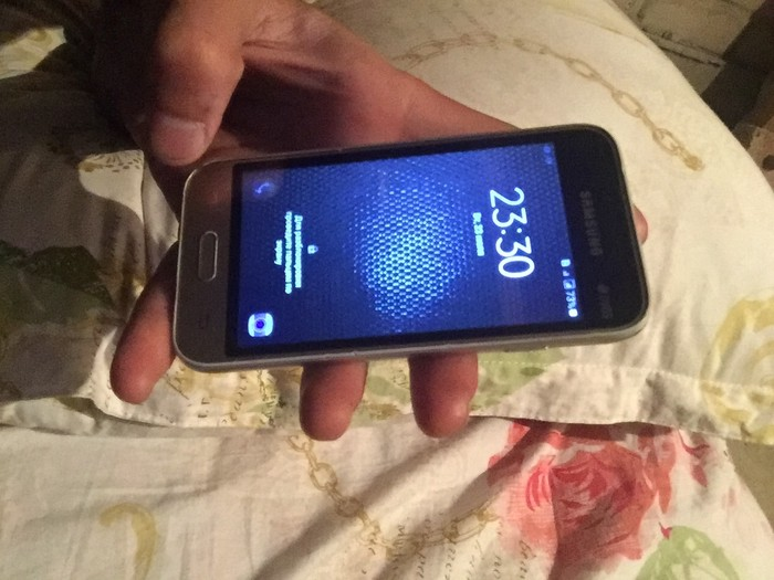 Б/у Samsung Galaxy J1 Mini 8 ГБ Золотой. Photo 0