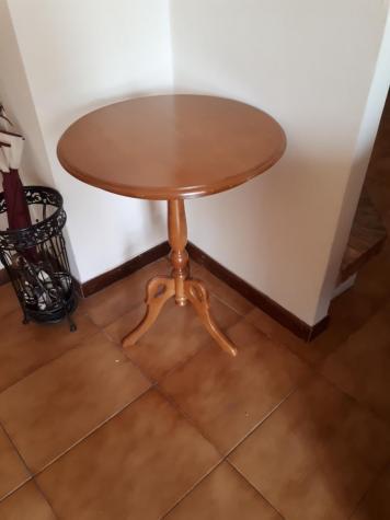 Τραπέζια. Photo 0