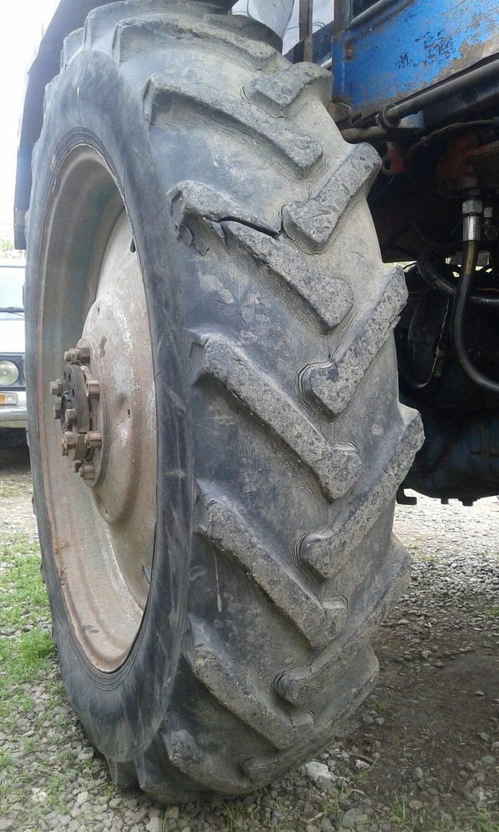 Traktor təkərin2 sidə satılır Təkərlər ağdamda dı . Photo 0