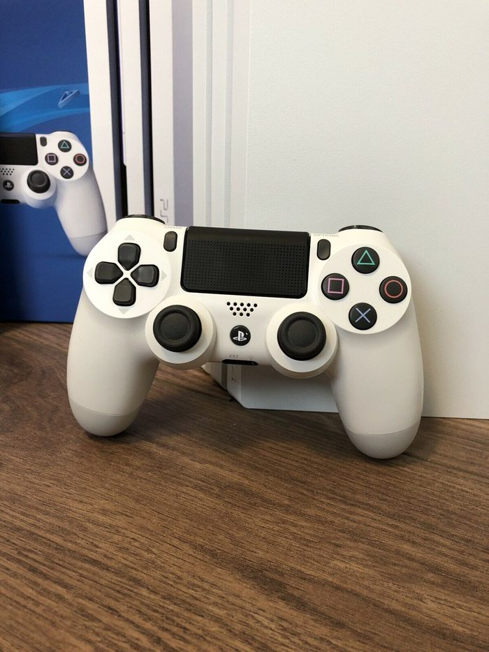 Sony PlayStation 4 Pro 1TB 4K Game Console. Photo 0
