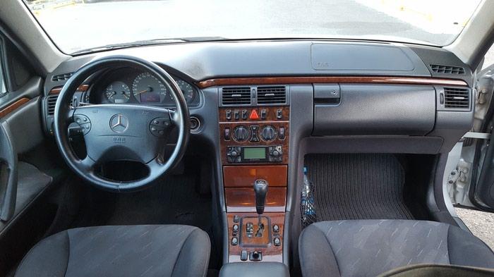 Mercedes-Benz E 240 2000. Photo 4