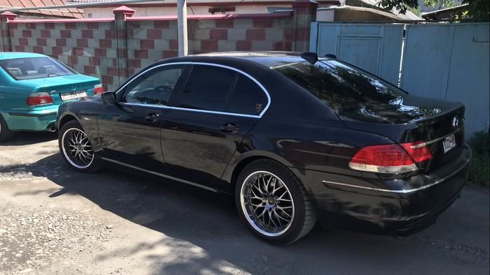 BMW 740 2008. Photo 2