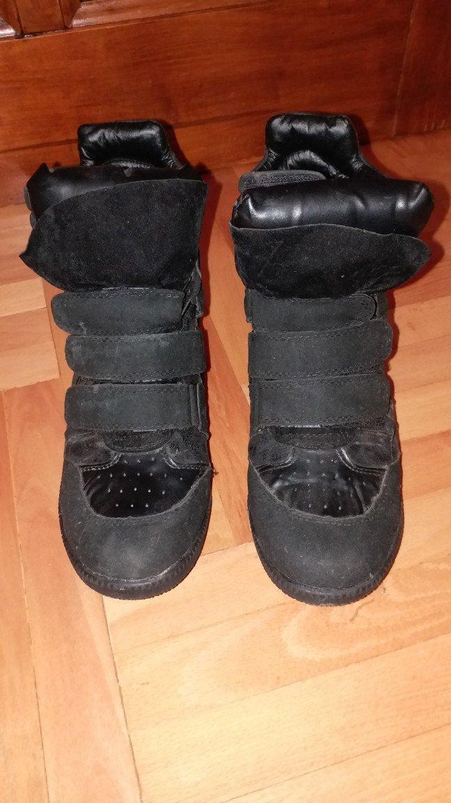 Ženska patike i atletske cipele - Kraljevo: Crne patike (duboke) - 38 broj