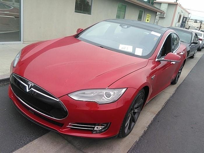 Tesla Model S 2016. Photo 0