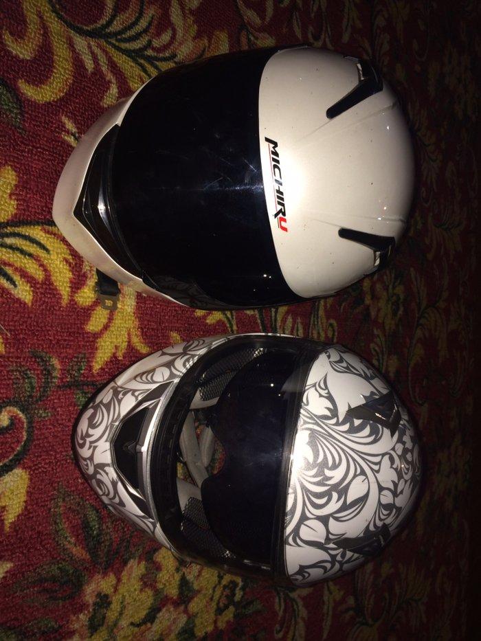 Продаю мото шлемы свзяи с продажей байка проездил только один сезон на в Сокулук