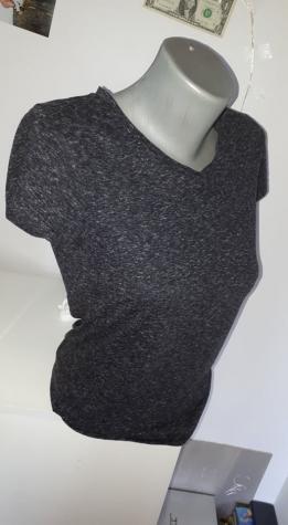 Majica S/M  majica u tamno sivoj boji,bez felera i mana,jako udobna