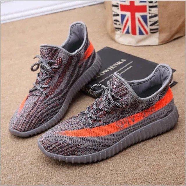 Yeezys παπούτσια. Photo 1