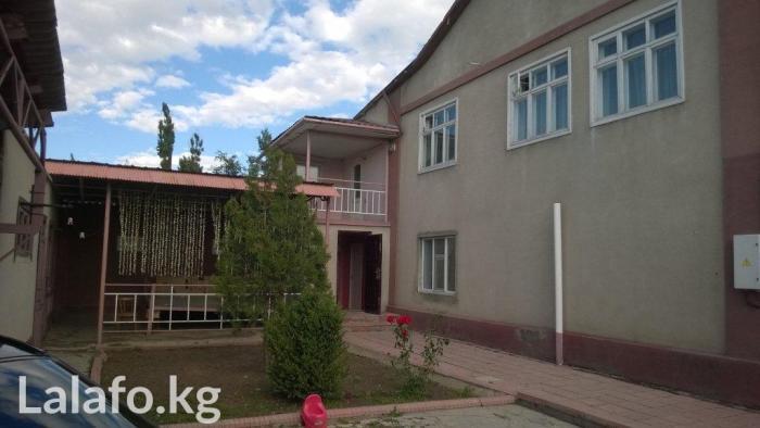 Продаю 2-эт дом ж/м Кок-Жар 305 кв. м. + цокольный этаж + баня+ хоз в Бишкек