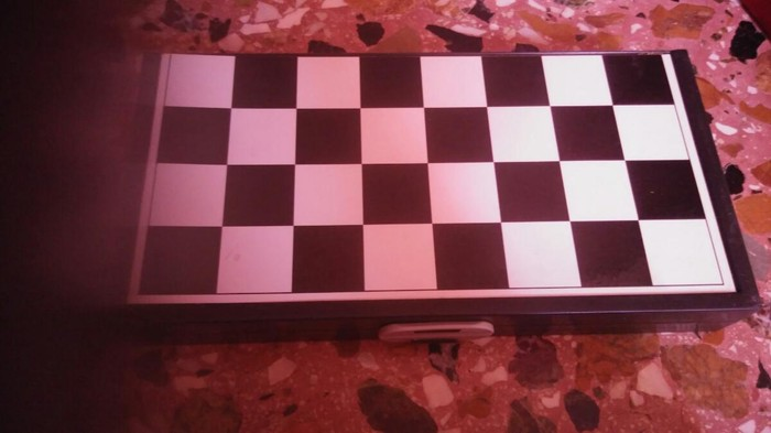 Ενα μαγνιτικο σκακι και τρια ακομα παιχνιδια. Τηλεφωνο 7 Ελισάβετ. Photo 0