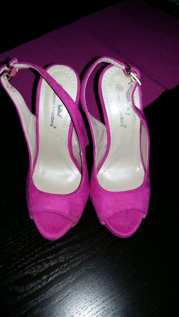 Ženske Sandale i Japanke - Crvenka: Nove sandalice broj 36