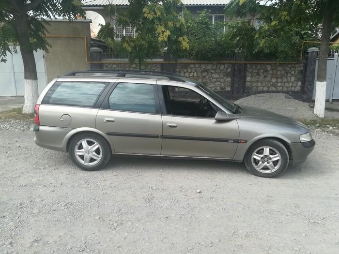 Opel Vectra 1997. Photo 0