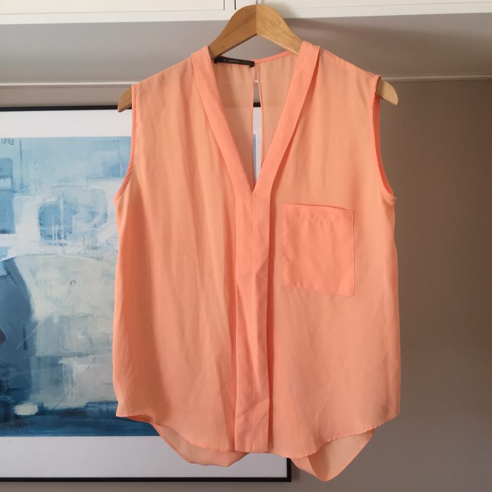 Suite Blanco αμάνικη πουκαμίσα με λαιμόκοψη. Photo 1