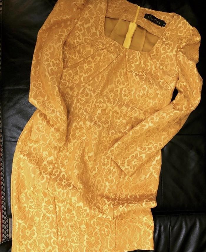 Haljina u senf boji od cipke NOVO