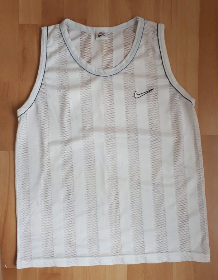 Muska majica Nike rupicasta odgovara br Xl, kao nova. - Jagodina