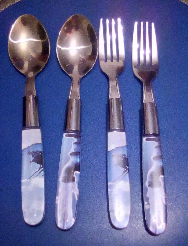 Μαχαιροπίρουνα διάφορα INOX 18/10 και Rostfrei, 2 κουταλάκια + 2 πιρουνάκια με πλαστικό χερούλι, 5 μαχαίρια, 9 κουταλάκια του γλυκού, 7 πιρούνια, 7 πιρουνάκια μικρά και μαχαίρι, κουτάλι, πιρούνι, κουταλάκι γλυκού herdmar inox Portugal