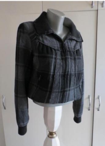 Ženske jakne - Kraljevo: ORSAY karirana strukirana jaknica  38