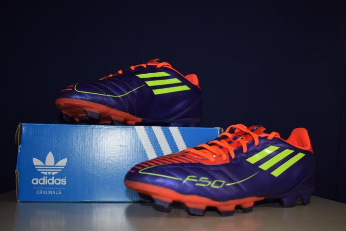 Παπούτσια ποδοσφαιρικά ADIDAS F50 νούμερο 44 2/3  σε τέλεια κατάσταση και δώρο επικαλαμίδες
