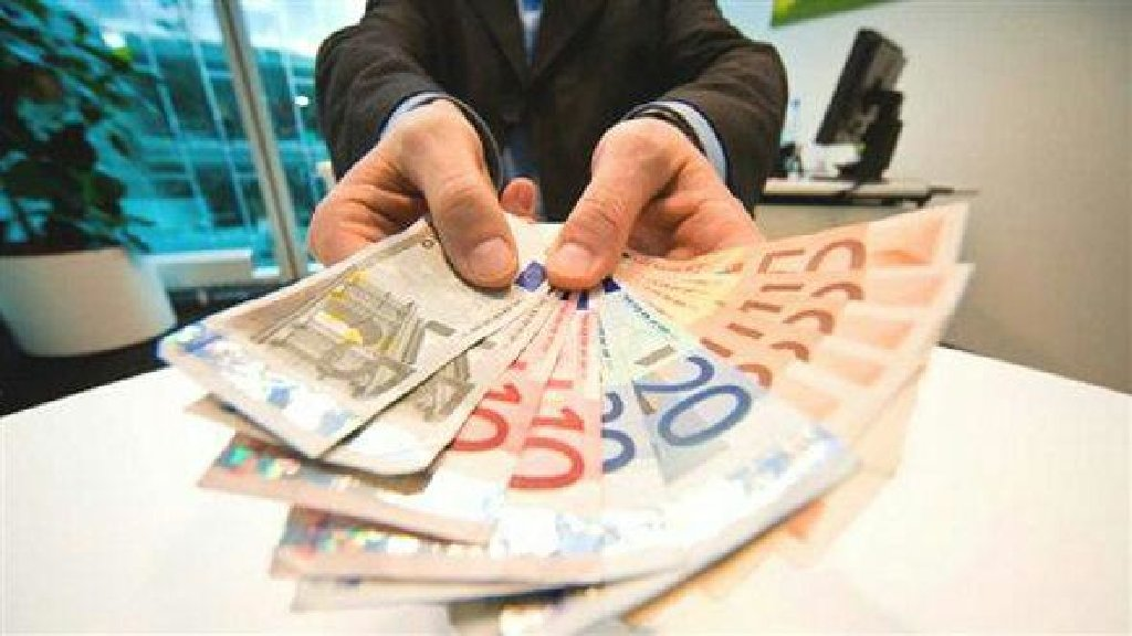 Σας υπενθυμίζω ότι είμαι ιδιώτης δανειστής και χορηγώ πίστωση σε όσους έχουν ανάγκη χρηματοδότησης