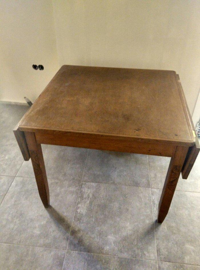 τραπέζι παλαιό , το οποίο ανοίγει με έξτρα πλαϊνά , ιδανικό για αναπαλ σε Υπόλοιπο Πειραιά