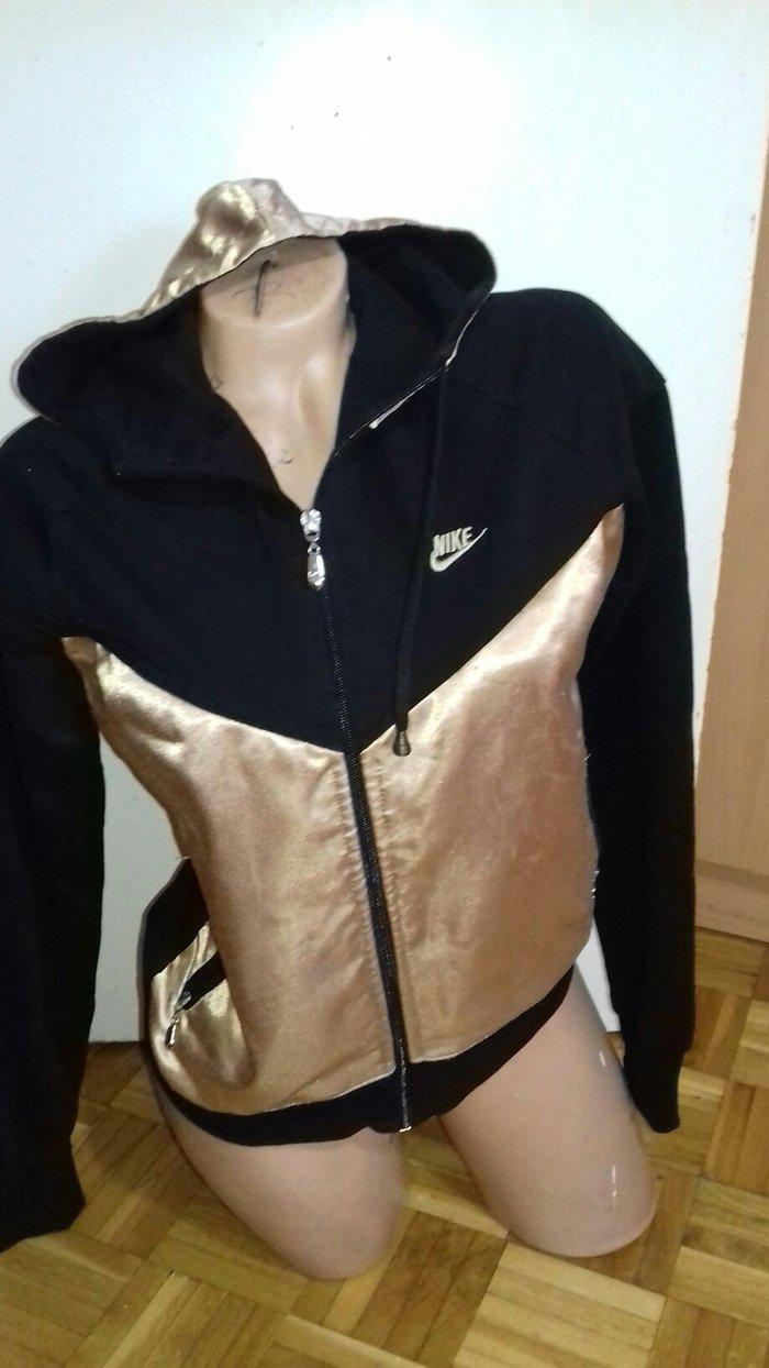 duks jakna original Nike veličina mL - Kovacica