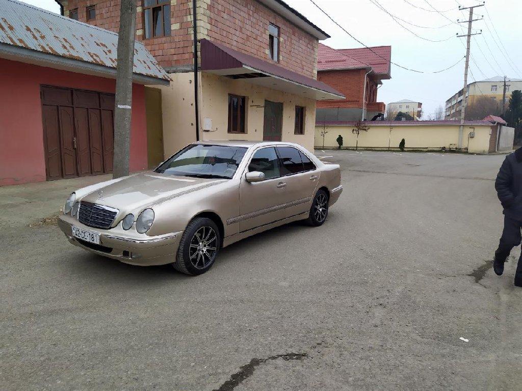 Lənkəran şəhərində Mercedes-Benz E 200 2000
