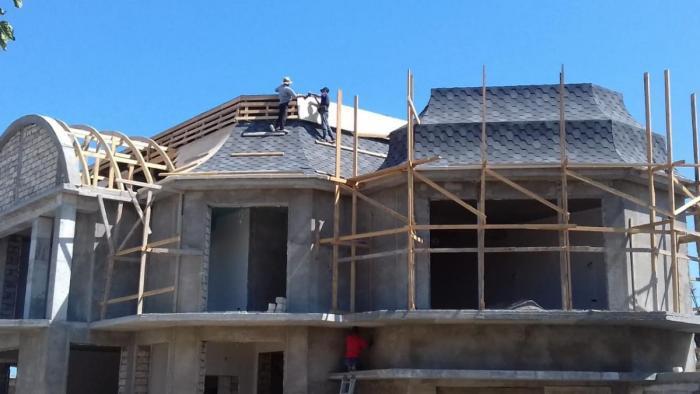 Опытная бригада предлагает свои услуги в сфере строительства и ремонтных работ по доступным для заказчика ценам и гибкой системе выплат
