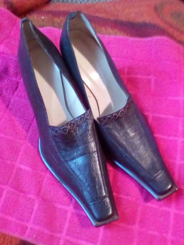 Zenske cipele,italijanske,nove,broj 41