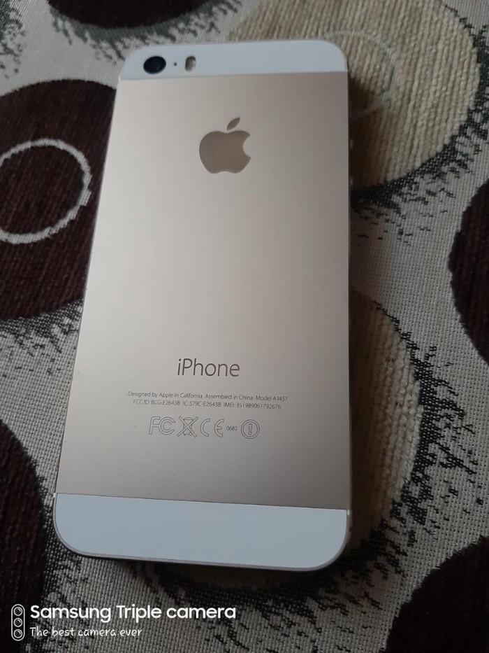 Apple Iphone. Photo 1
