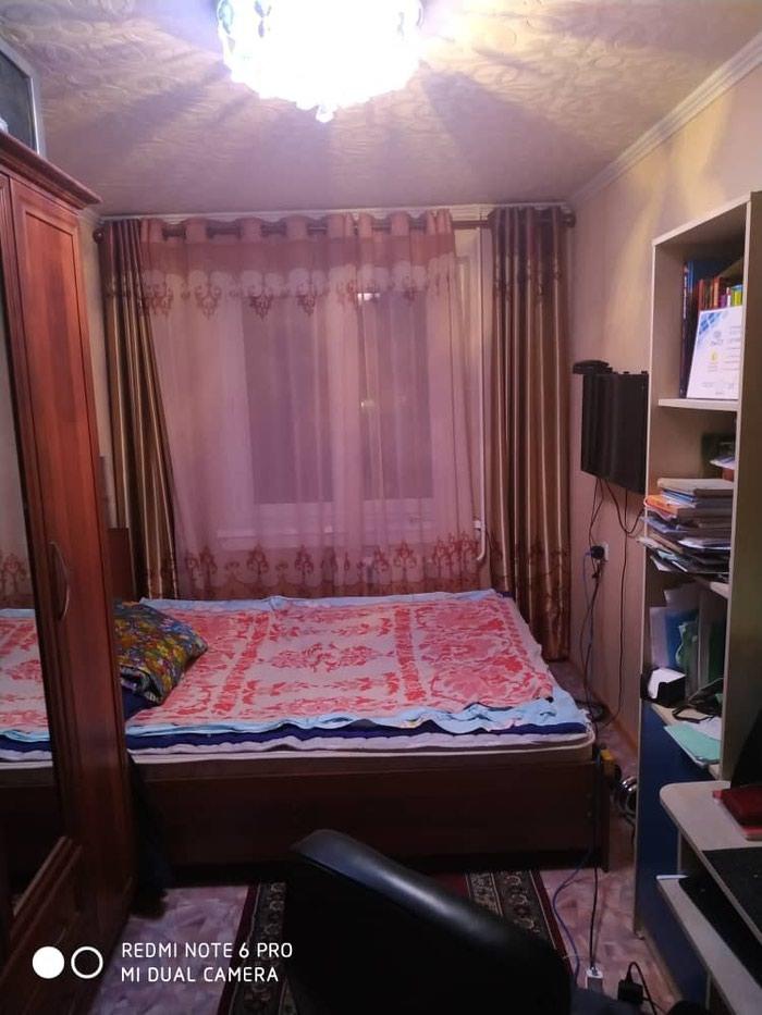 Срочно продам 2к кв с мебелью 104 серия3/4 11 мик р. Photo 3