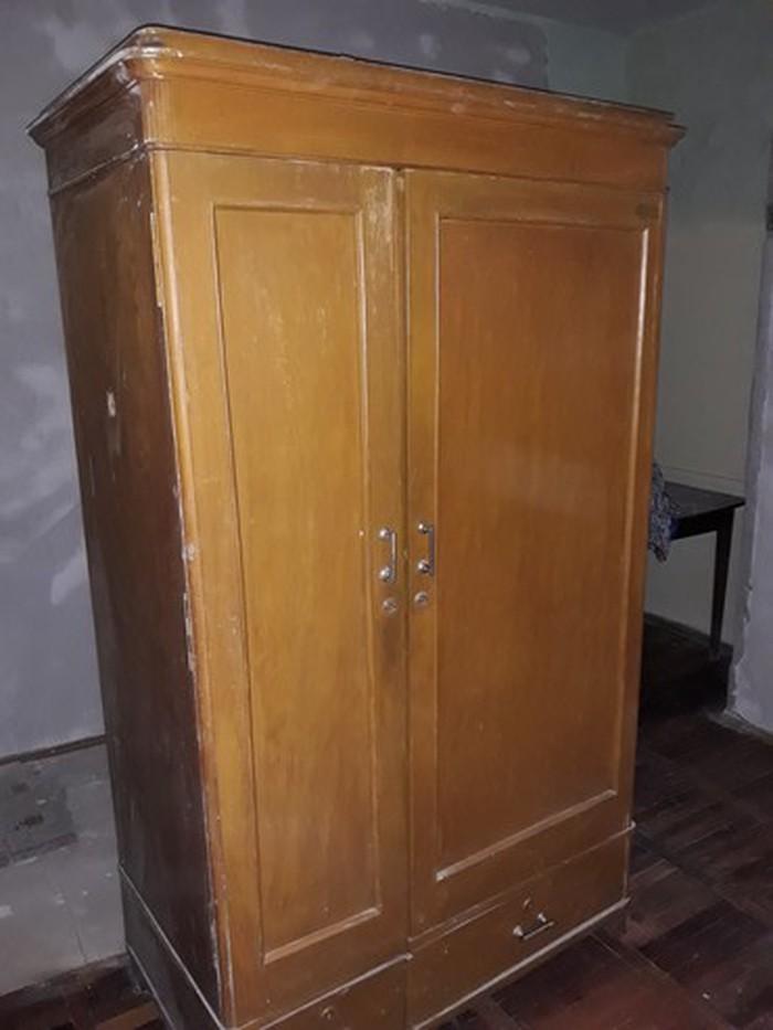 Для любителей старины шкаф одежный за 2000 район мечети центр. Photo 0