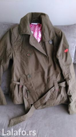 Dečije jakne i kaputi - Beograd: Kids and friends jaknica za devojcice,boja je military,kupljena u Memackoj,placena 70 eur