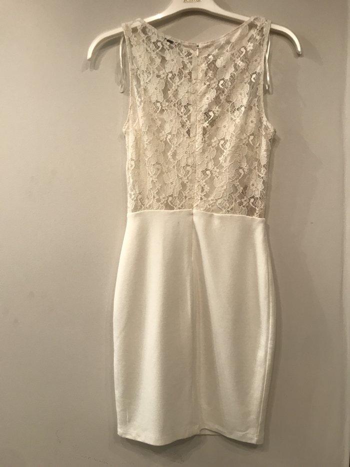 ZARA, λευκο φορεμα με δαντελα, σαν καινουριο, μεγεθος Μ .  Τιμη - 20€ . Photo 0
