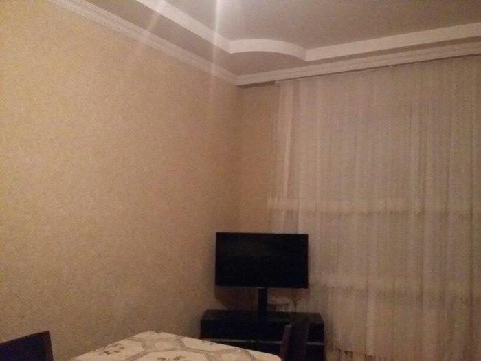 Xırdalan şəhərində Müşviqabad qəsəbəsi yaxınlığında təcili ev satılır.Hər şəraiti var.Pul