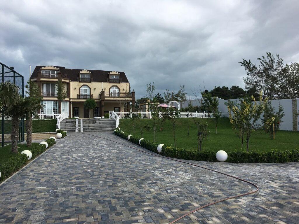 Satış Evlər vasitəçidən: 800 kv. m, 7 otaqlı