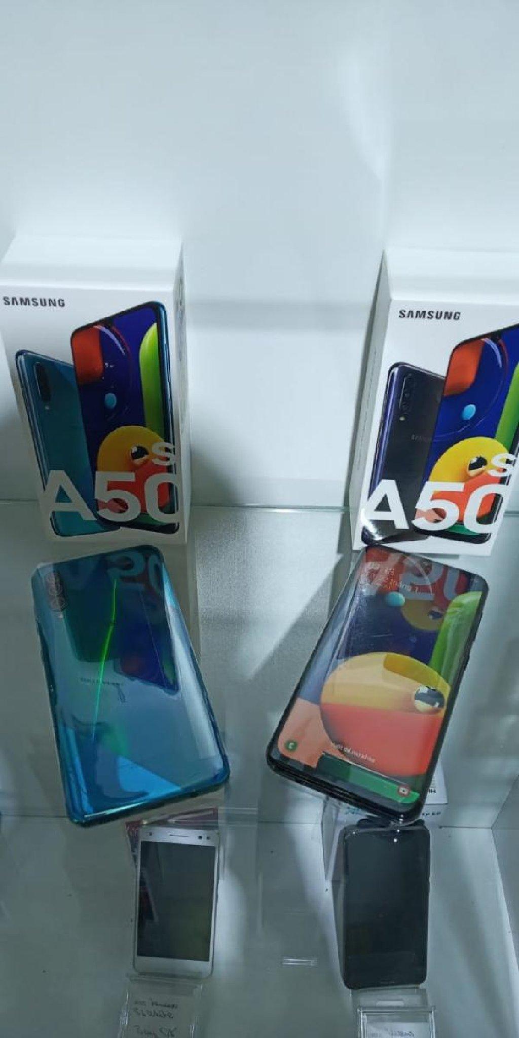 Yeni Samsung A50 64 GB